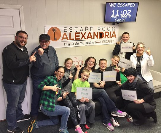 Alexandria, MN: Team escaped Aunt Bea's Cabin with remaining time displayed!