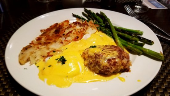Fairlawn, OH: A deconstructed crab-cake eggs benedict, Very tasty