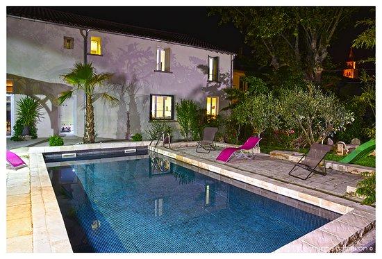 Montagnac, France: espace détente piscine chauffée, spa, hammam, sauna....