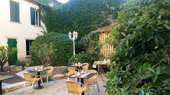Montagnac, Francia: espace petit déjeuner