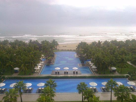 วินเพิร์ล ลักชูรี่ ดานัง: large swimming pools