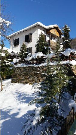 Cherni Vit, Bulgaria: the winter Popcorn house