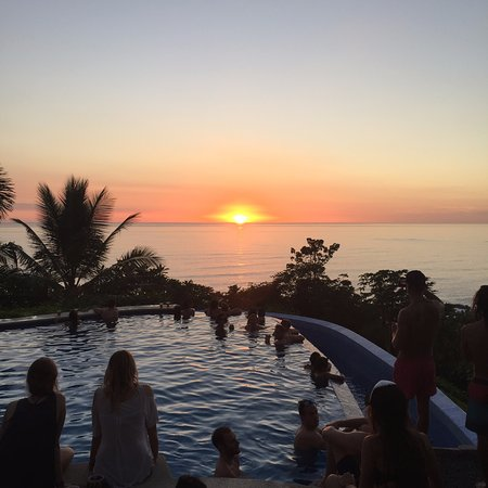 Lucero Surf Retreats: Infinity pool experience - Suggested by Marieke and Jared