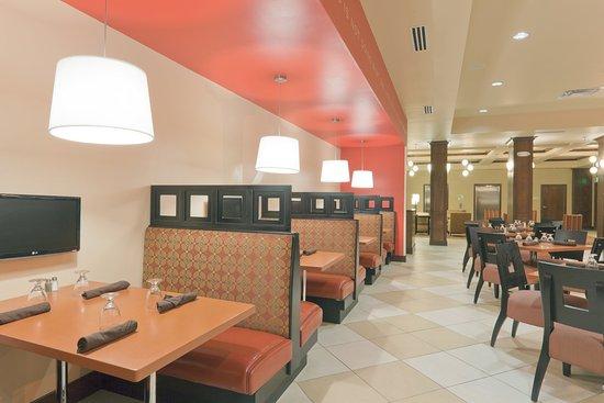 Holiday Inn Jackson NW - Airport Rd: Kem's Restaurant