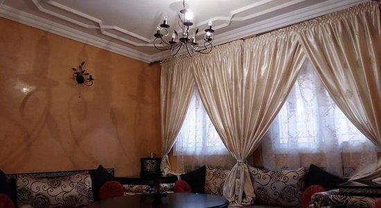 Villa rita guesthouse chefchaouen maroc voir les for Salon zen rabat tarifs