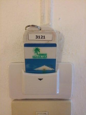 KAMALA BEACH INN: карточка от номера, для включения света!