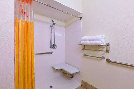 Tulare, Californië: Bathroom 1