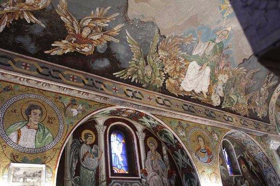 Saint Petka's Chapel : Внутри церкви