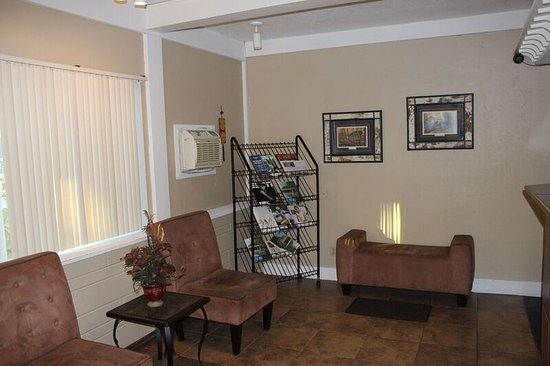 Eastwood Inn of Wadena: Lobby
