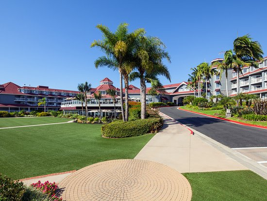 The Laguna Cliffs Resort & Spa is one of Dana Point's four destination resorts