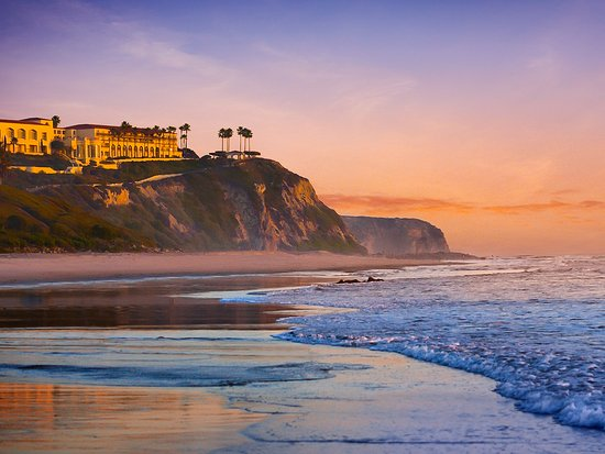 Perched on a rocky cliff in Dana Point, The Ritz-Carlton