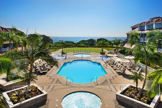 Дана-Пойнт, Калифорния: One of the pools at the Laguna Cliffs Marriott Resort & Spa.