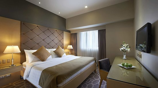 Berjaya Makati Hotel - Philippines: Executive Suite - Interior