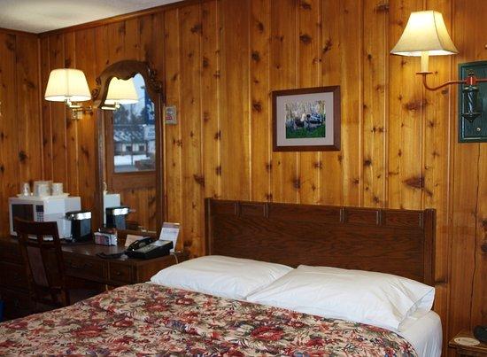 Hayward, WI: Standard Room 1 queen and sofa sleeper (sofa not shown)