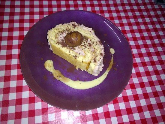 Saint-Siffret, ฝรั่งเศส: Bûche maison à la crème de châtaignes et marrons glacés