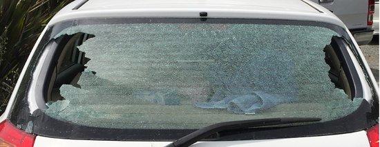 Whangarei, Nueva Zelanda: Car window smashed in Whagarei