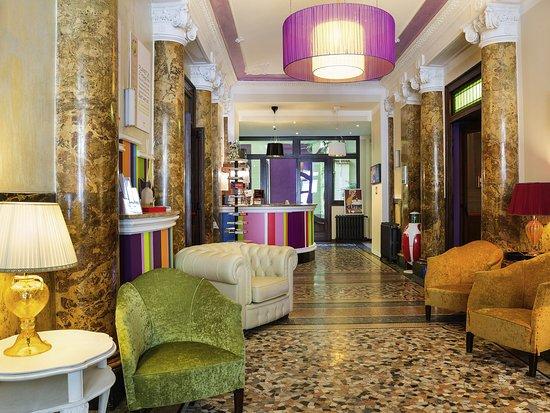 都靈諾波爾塔努歐瓦全季酒店
