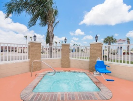 Aransas Pass, TX: Outside Hot Tub