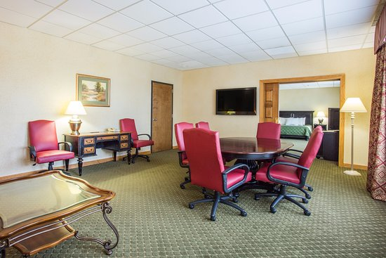 Sutton, WV: Governor's Suite
