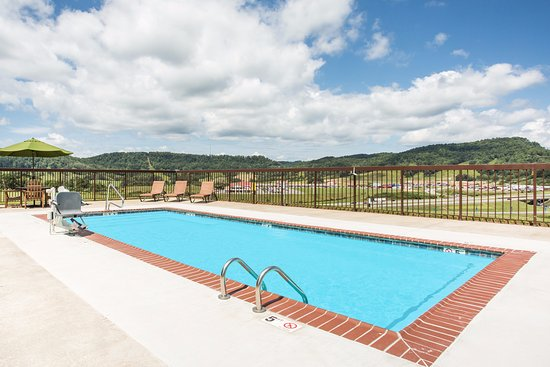 Sutton, WV: Outdoor Pool