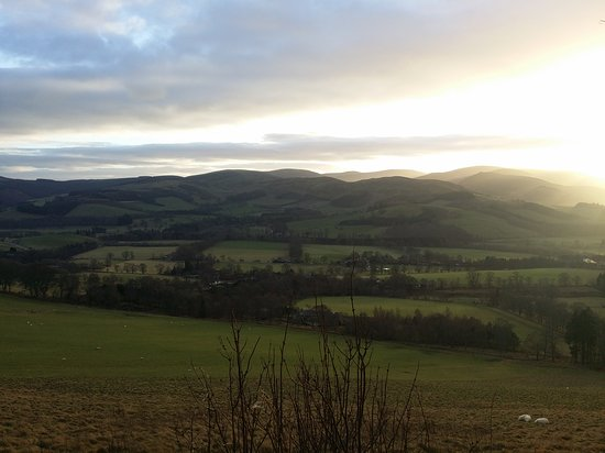 Peebles, UK: Photos around the site and sunset views near the buzzards nest car park at the top