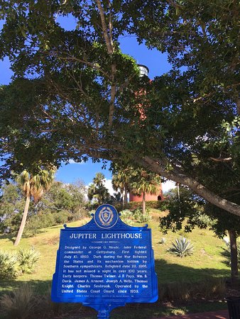 Jupiter Inlet Lighthouse & Museum is a beautiful place to visit that offers wonderful views