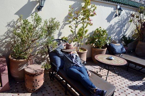 Riad Maison Belbaraka: sundeck on the roof