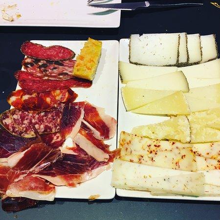 Restaurante cruz ib rico en cornell de llobregat con for Correos cornella de llobregat