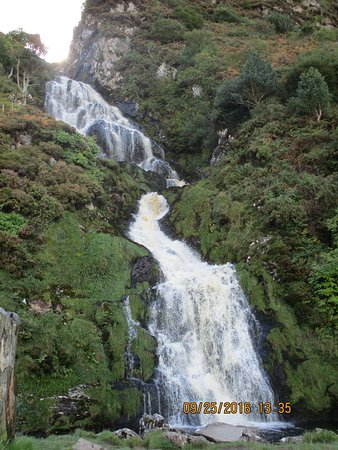 Donegal Tours-Day Tours : Waterfall outside Ardara.