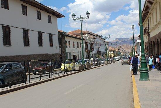 Eco Inn Cusco: Hotel street