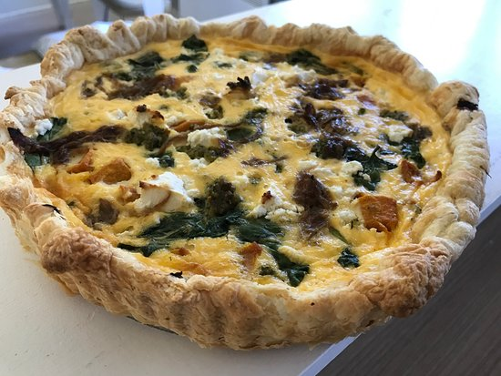 Flinders, Australia: Most delicious home made quiches, cakes and tarts (eat in or take away)