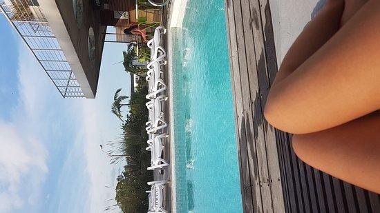 Costa Colonia Riverside Boutique Hotel: Piscina do hotel
