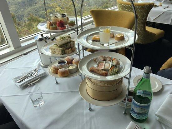 Medlow Bath, ออสเตรเลีย: High Tea at Hydro Majestic