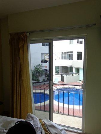 Seven Crown Hotels: cuenta con un pequeño balcon.