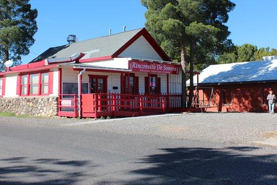 Cottonwood, Arizona: EXTERIOR VIEW