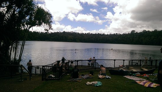 Atherton Tablelands: Lake Eacham - a volcanic crater lake. Ideal for family picnics, b-b-q's, swimming