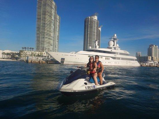 Waterskiing Miami Beach