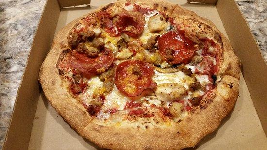 Yukon, OK: Custom pizza