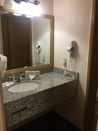 Baymont Inn & Suites Tri-Cities/Kennewick WA: photo3.jpg