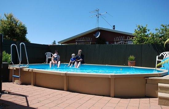 Taylors Motel: swimming pool