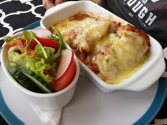 Frenchy's Restaurant & Tea Rooms: Lasagna