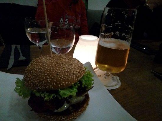 who 39 s that burger berlin omd men om restauranger. Black Bedroom Furniture Sets. Home Design Ideas