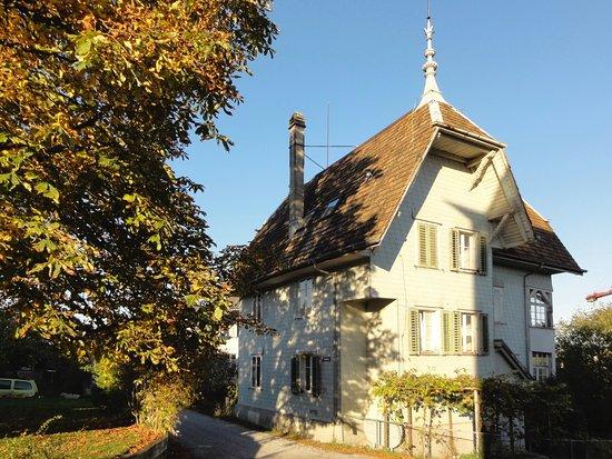 Altes Wohnhaus am Chaletweg Dietlikon