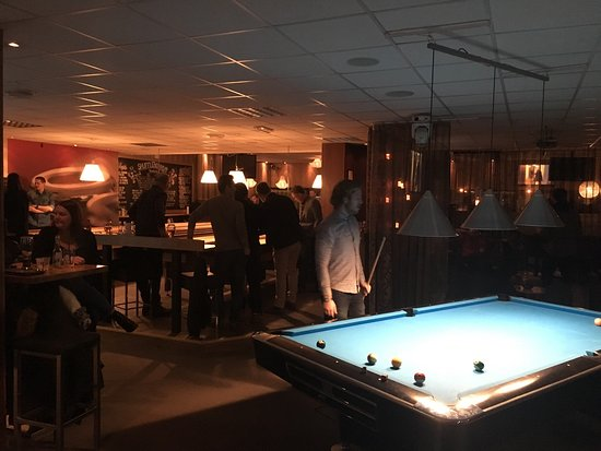 Gävle, สวีเดน: Small overview of pool tables and shuffleboards