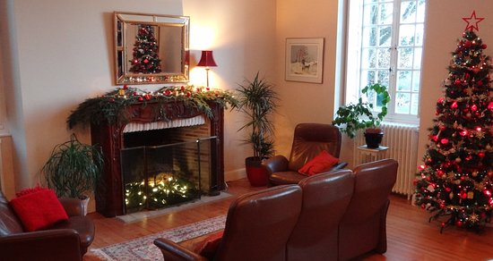 Christmas at Clos Mirabel Manor B&B Jurancon Pau FR