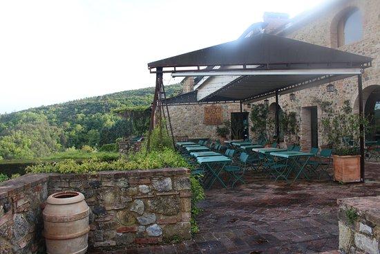 Murlo, Italie : the patio