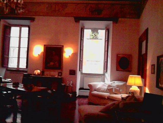 B&B Palazzo del Duca: Spacious lounge
