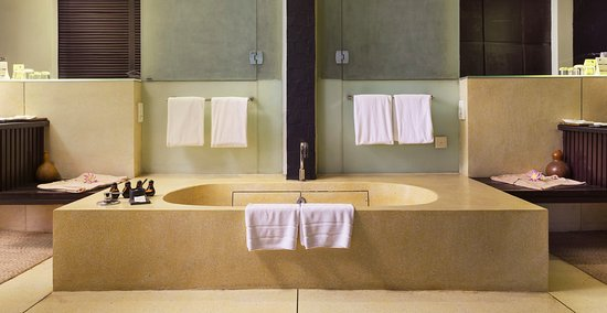 FCC Angkor: Suite is double size of pool and garden view rooms with include large bath and shower area.