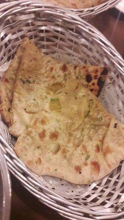 Myra Restaurant: Aloo Paratha