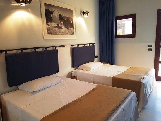 Doppia letti King size - Picture of Eco Hotel, Ospedaletto ...